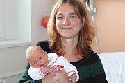 Rozárie Ostrihoňová se narodila 18. září 2017 s mírami 50 centimetrů a 2960 gramů. K pětileté sestřičce Amálce si ji domů do Netušile odvezli rodiče Anna a Boris.