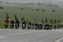 """Sendražické padede provětralo """"malé"""" motocykly."""