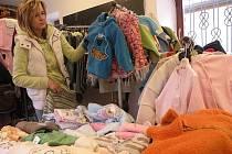Burza s dětským oblečením v Českém Brodě