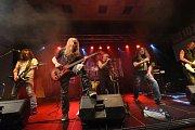 Petr Korál pokřtil kapele Benefit novou desku, asistovali u toho Blue Bucks a Telegraf.