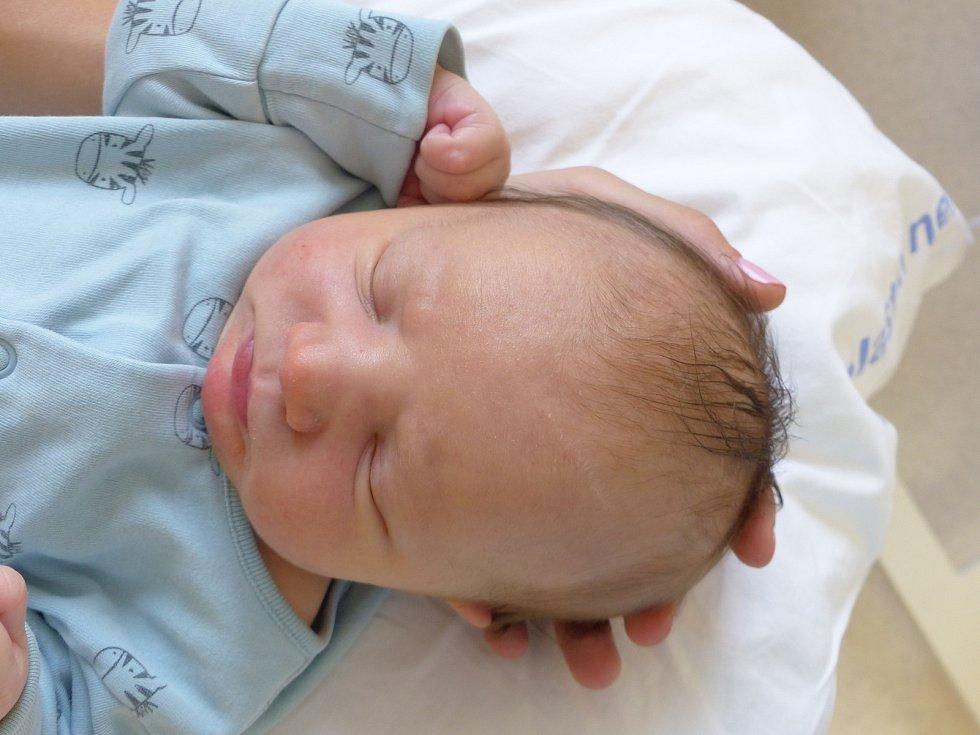 Jan Tvrdý se narodil 1. prosince 2020 v kolínské porodnici, vážil 3650 g a měřil 49 cm. V Kolíně bude vyrůstat s maminkou Kristýnou a tatínkem Pavlem.