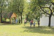 Výrobce dřevěných hraček Otakar Franěk se objevil ve skanzenu.