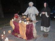 Lidé se při večerní procházce v Kouřimi dozvěděli mnoho o historii.