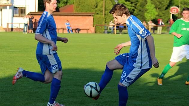 Dohrávka fotbalové I. B třídy Sokoleč - Tuchoraz (3:2).