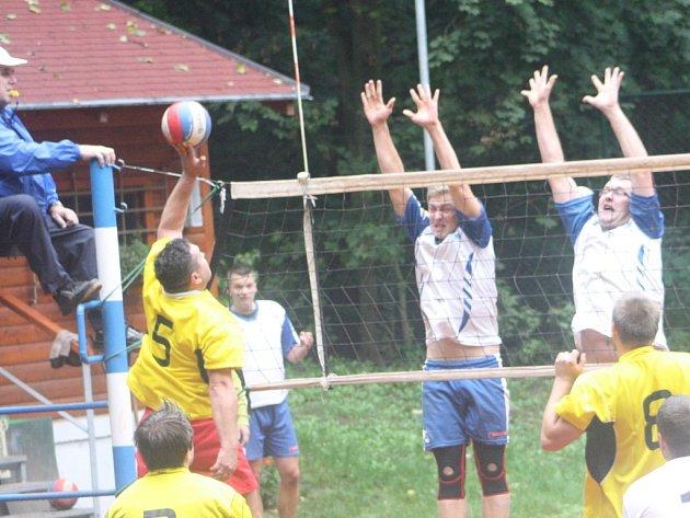 Volejbalisté Kolína porazili Přerov v obou zápasech shodně 3:0 na sety.