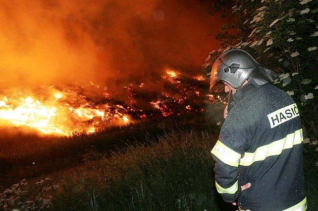 Požár stohu u Křečhoře.