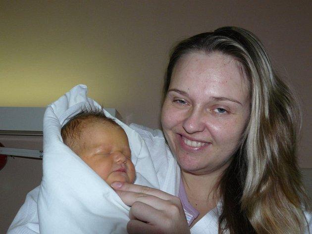 Stela Stieberová se narodila 13. prosince v Kolíně. Vážila 4250 gramů a měřila 56 centimetrů. Doma v Kolíně ji přivítá bráška Rudik, maminka Lída a tatínek Štěpán.