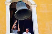 Zvon se rozezní nejpozději v neděli