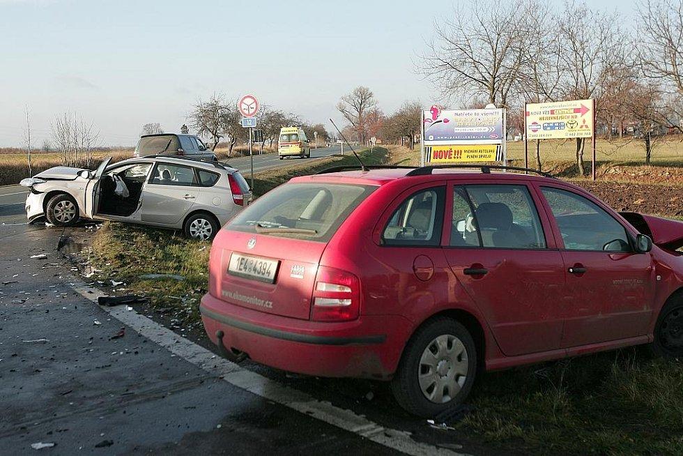 Čelní střet dvou automobilů na silnici I/12 u Nové Vsi II
