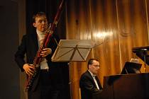 Sálem zněl fagot, housle a klavír