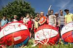 Děti dostaly basketbalové míče v rámci projektu ČEPS 2000. Více fotografií najdete na www.kolinsky.denik.cz.