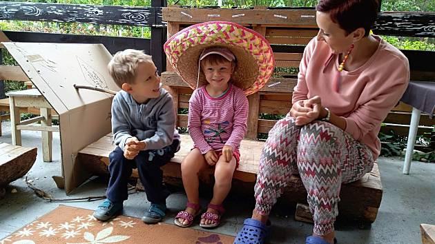 Děti během týdne vyrazily na cestu kolem světa.