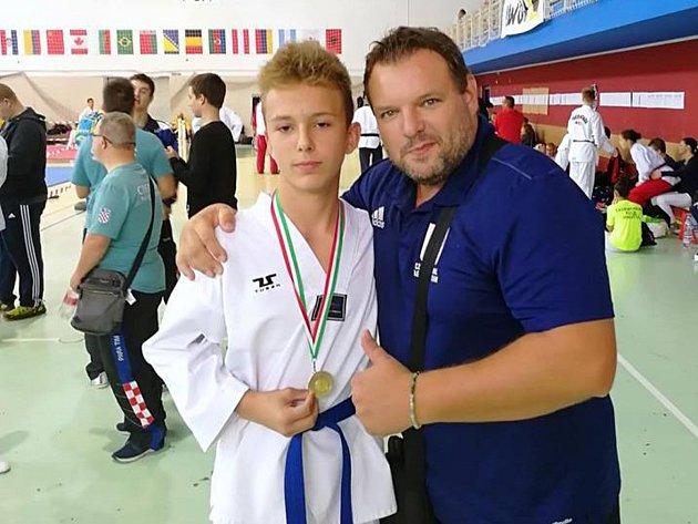 Čeští bojovníci sbírali na šampionátu medaile.