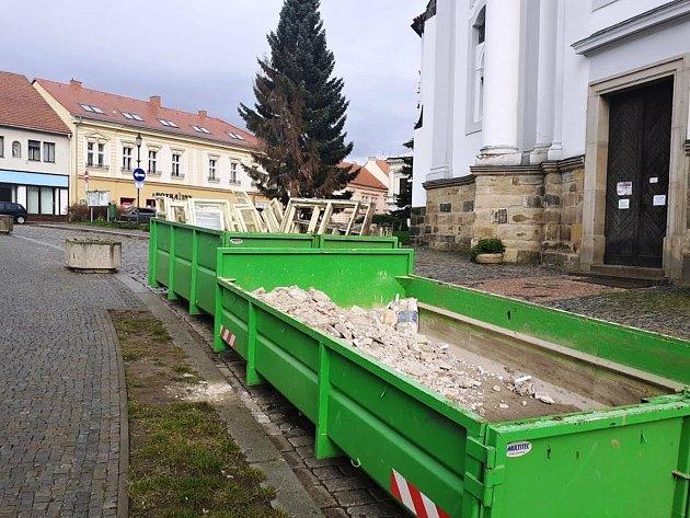 Výměna oken knihovny a informačního centra vČeském Brodě.