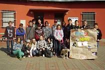 Plaňanská škola pomohla pejskům v útulku