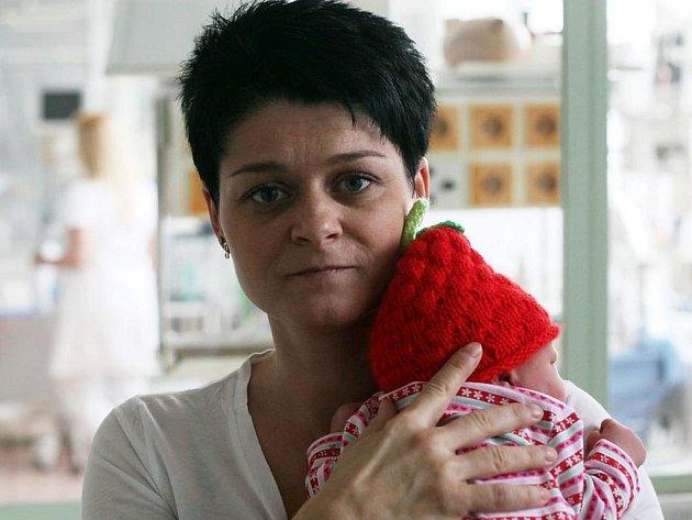 Novorozenou holčičku našli lékaři v noci na středu 15. února 2012 v babyboxu Oblastní nemocnice Kolín. Byla v dobrém stavu. Vážila 2750 gramů a dostala jméno Pavlína Kolínská. Šlo o vůbec prvního novorozence nalezeného v babyboxu kolínské nemocnice.