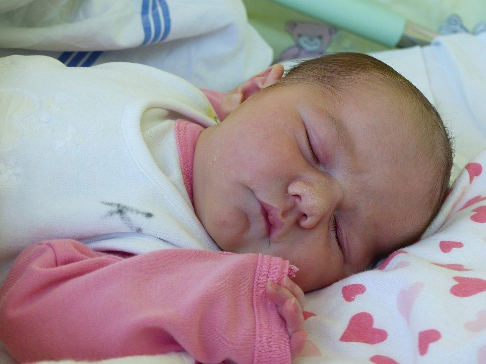 Klaudie Rajdlová se narodila 13. října 2019 v kolínské porodnici, vážila 3500 g a měřila 51 cm. Do Neškaredic odjela s bráškou Tobiáškem (4) a rodiči Janou a Markem.