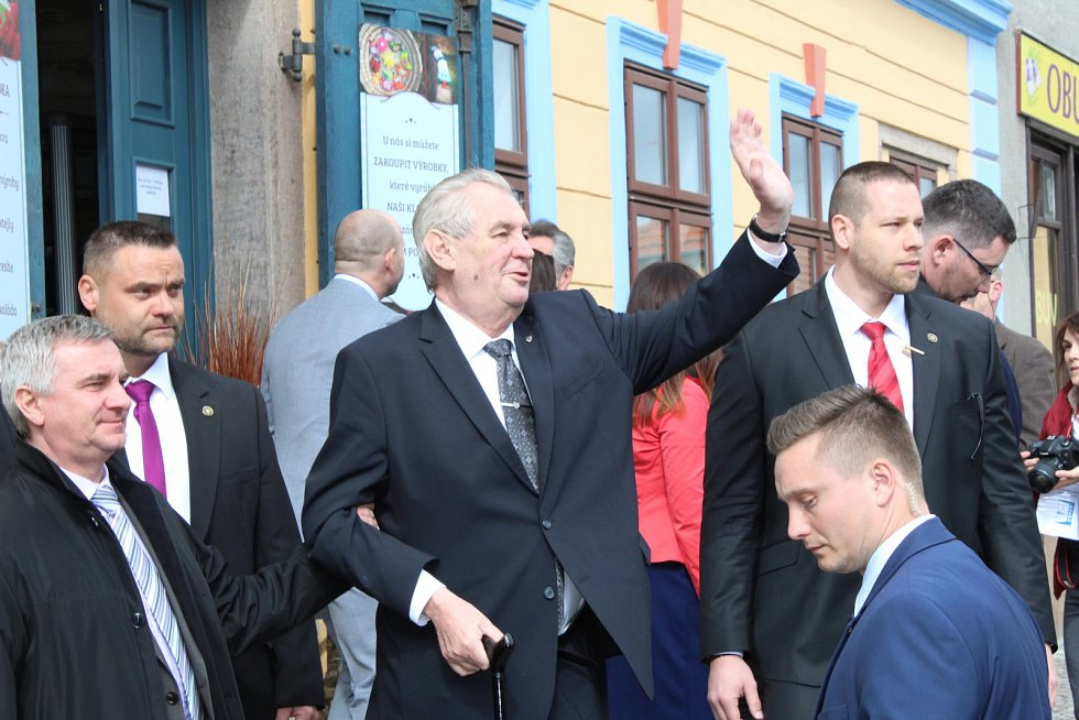 Kostelec nad Černými lesy zažil ve čtvrtek 6. dubna 2017 návštěvu prezidenta republiky Miloše Zemana.
