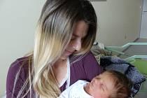 Klára Kadečková se narodila 22. května 2020 v kolínské porodnici, vážila 3690 g a měřila 50 cm. V Kutné Hoře bude vyrůstat s bráškou Jakubem (3) a rodiči Michaelou a Tomášem.