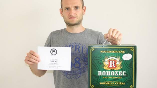 Vítězkou 1. kola se stala Pavlína Píchová, která vyhrála karton piv značky Rohozec a kupon v hodnotě 100,-Kč do kolínské kavárny Kristián. Cenu za pracovně zaneprázdněnou vítězku převzal kamarád Tomáš Vávra.