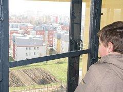 Pohled z okna kolínské vodárny. Ilustrační foto.