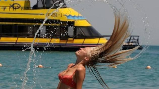 V horkém počasí nezapomínejte na časté omývání chladnou vodou.