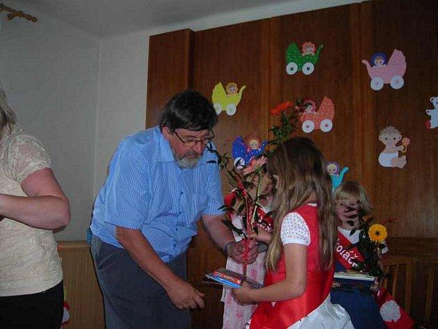 Veltrubští předškoláci se loučili se školkou