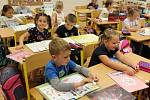 Děti se znovu vrací do škol s příslibem standardní výuky. Ilustrační foto.