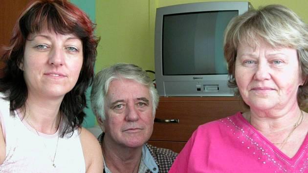 Josef Strouhal s manželkou (vpravo) a podnikatelskou patrnerkou Helenou Kožíškovou (vlevo)