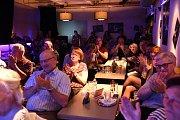 Vyprodaný divadelní klub Scapino tleskal špičkovým muzikantům zkapely KyBaBu.