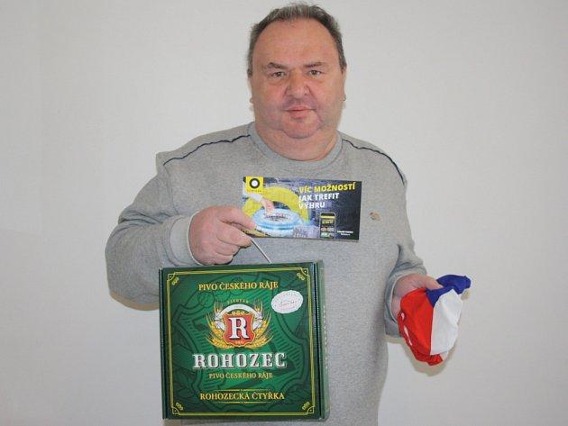 Karel Chobotský z Kouřimi získal poukázku od Fortuny v hodnotě 100,-Kč, dále upomínkový předmět od FAČR a karton piv značky Rohozec.