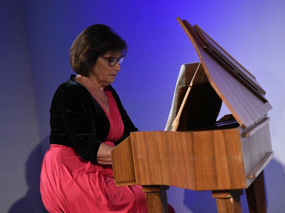 Z koncertu kvarteta Lyra da Camera v sále kolínského podnikatelského inkubátoru Cerop v Kolíně.