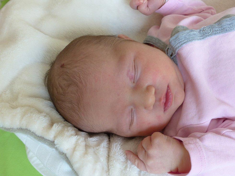 Amálie Kopáčková se narodila 18. září 2020 v kolínské porodnici, vážila 3615 g a měřila 50 cm. V Kolíně bude vyrůstat s maminkou Kristýnou a tatínkem Michalem.
