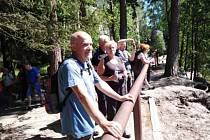 Výletníci z Červených Peček navštívili Adršpašské skály.