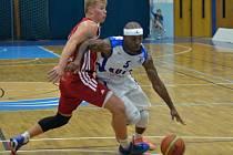 Z utkání BC Geosan Kolín - Svitavy (81:69).
