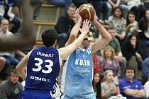 Z utkání BC Kolín - Ostrava (55:82).