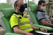Policisté jako dárci krve na transfuzním a hematologickém oddělení v Oblastní nemocnici v Kolíně.