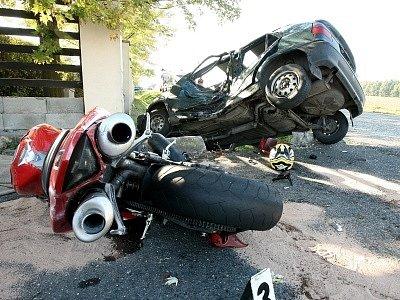 Při nehodě u Olešky zemřel motocyklista.