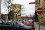 Rekonstrukce sídlištních ulic Moravcova a Březinova skončila v polovině adventu.