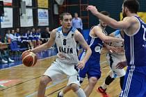 Z utkání BC Geosan Kolín - Brno (81:66).