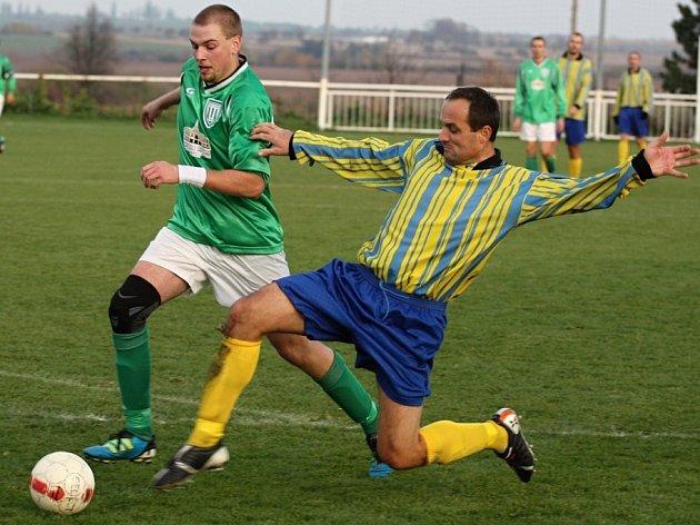 Z utkání Tuchoraz - Ratboř (1:2).