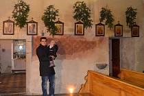 Do kostela se vrátila křížová cesta