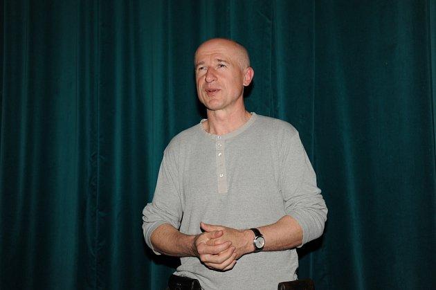 Režisér Zdeněk Tyc vítal v kině návštěvníky El Pasa.