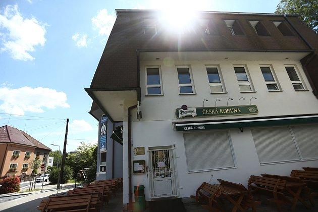 Uzavřená restaurace Česká koruna vKolíně.