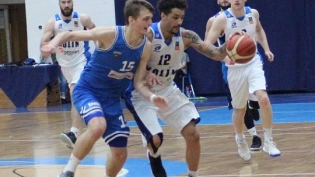 Z utkání BC Geosan Kolín - USK Praha (90:72).