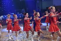 Letošní bohatou plesovou sezonu vkolínském Městském společenském domě odstartovali první lednovou sobotu studenti Odborné střední školy podnikatelské.