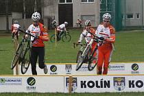 Kolínští závodníci využili možnosti a při týdenním soustředění si vyzkoušeli trať. Využijí této výhody k zisku medailí?