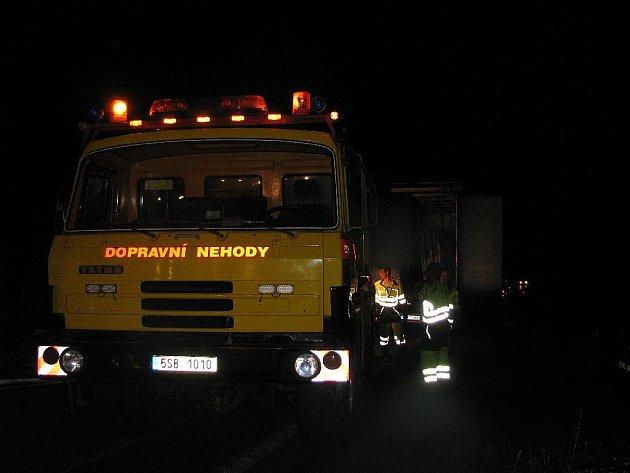 Kolize kamionu převážejícího mramor