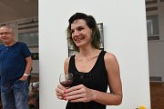 Nina Bumbálková vystavuje vdivadelní galerii městské portréty zLondýna
