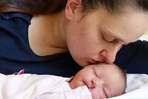 Tereza Mazáčová se narodila 9. března 2020 v kolínské porodnici, vážila 4045 g a měřila 52 cm. Do Zdechovic odjela s bráškou Vláďou (2) a rodiči Šárkou a Petrem.